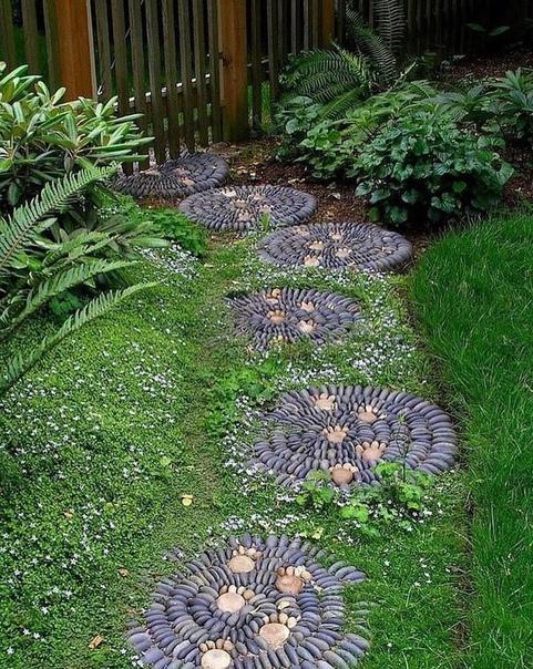 Креативная садовая дорожка на дачном участке!