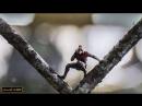 Человек Муравей вытаскивает Осу и Хенка из полицейского Участка