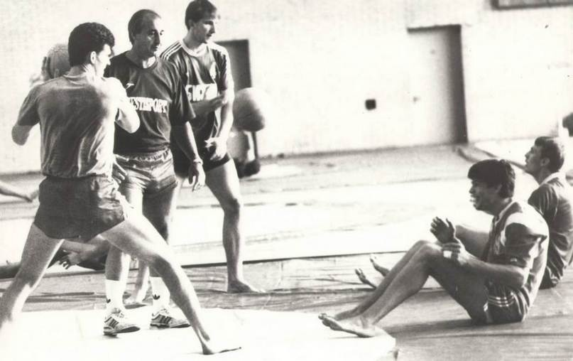 На тренировке сборной СССР. Геннадий Халепо — на заднем плане