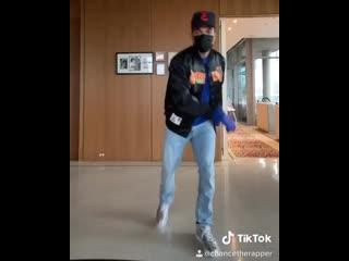 Chance The Rapper танцует Toosie Slide