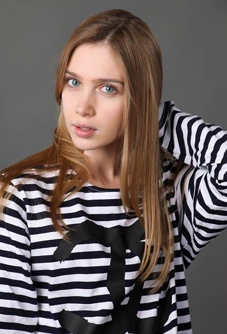 Фото подборка с актрисой Анной Андрусенко.