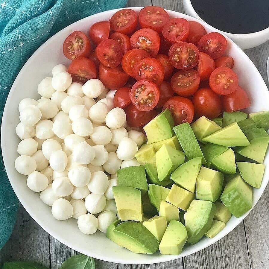 Белковые салаты 500 калорий в каждой миске
