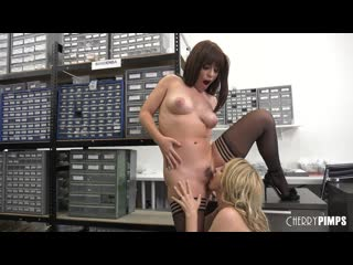 Alix Lynx and Kiara Edwards - Getting Caught By The Boss And Being Rewarded More! [All Sex, Hardcore, Blowjob, Gonzo]