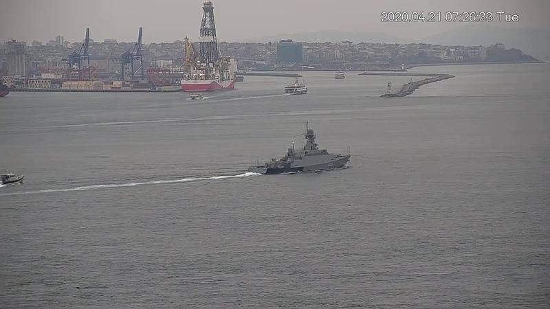 Малый ракетный корабль «Орехово-Зуево» проекта 21631 ВМФ России в проливе Босфор