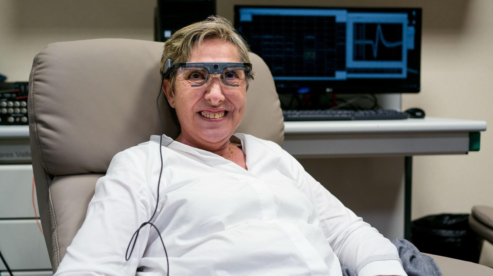 Good news, everyone. Испанский нейроинженер смог частично вернуть зрение слепой пациентке. Киберпанк начинается