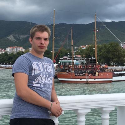 Андрей, 27, Venev