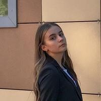 Элина Софронова