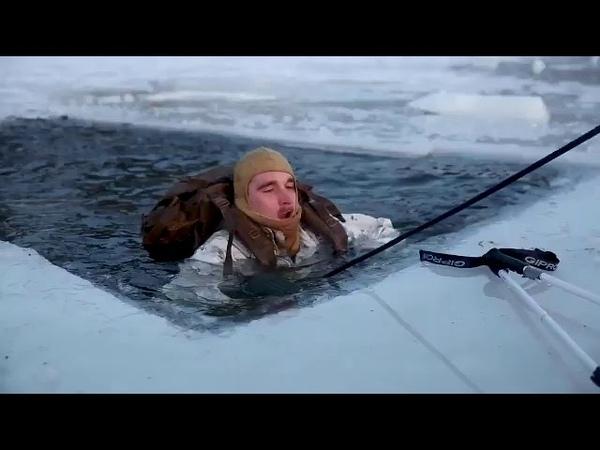 Отработка навыков военнослужащих самовытаскивания из полыньи в Норвегии