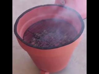 барбекю из глиняных горшков ()