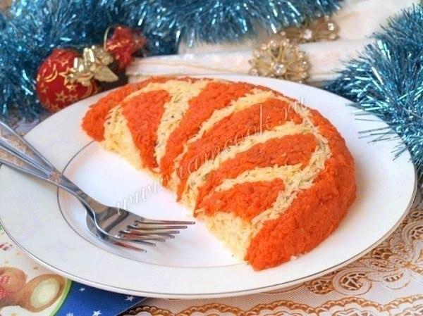 Подборка 10 рецептов праздничных нарядных салатов Обязательно сохраните к себе на стеночку, чтобы не потерять! 1. Салат «Свеча» Ингредиенты: вареный картофель 2 шт., яйца вареные 3 шт., копченое